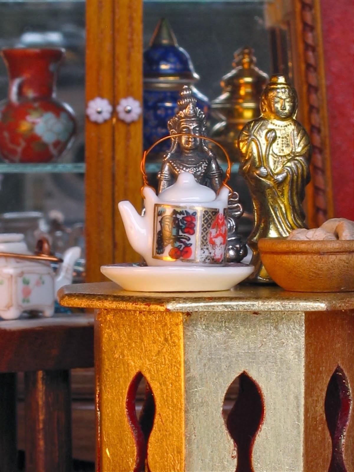 dollhouse tea pot