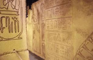 هل تعلم كيف تمكن الفراعنة من اضاءة الغرف داخل الهرم - اللغة الهيروغليفية خوفو معابد فرعونية