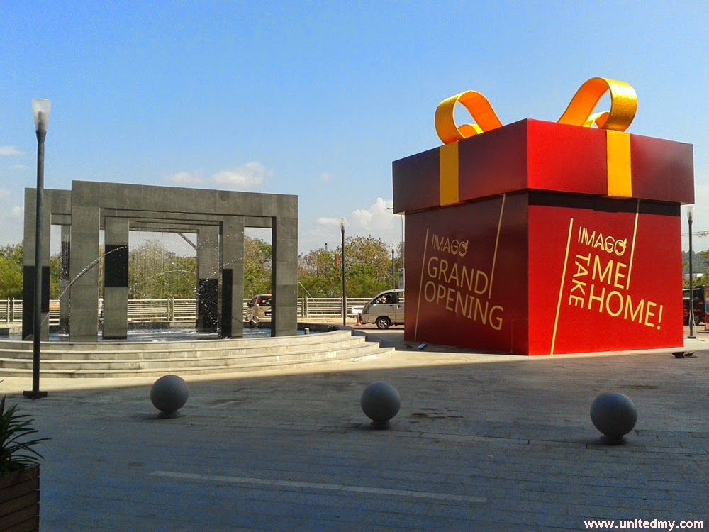 "Imago red big box ""Grand opening"""