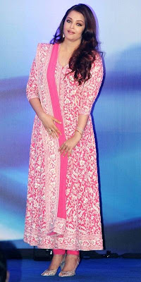 New Bollywood Fashion Trends for Wedding Season 2012 in India