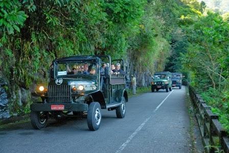 Turismo no Rio de Janeiro de Jeep para Floresta da Tijuca