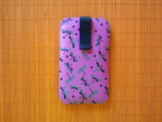 capa para celular feita em EVA