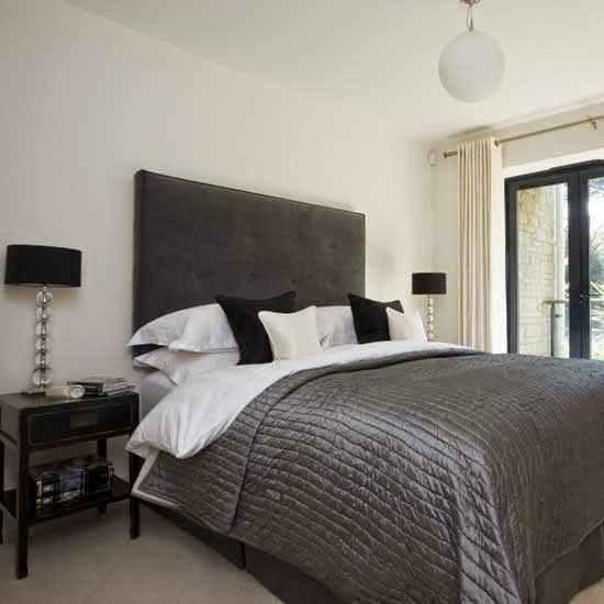 35-inspirasi-desain-ruang-tidur-bernuansa-hitam-putih-003
