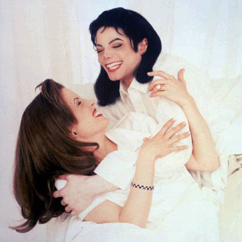Pic of the Day - Page 6 Michael_jackson_and_lisa_marie_presley-letter