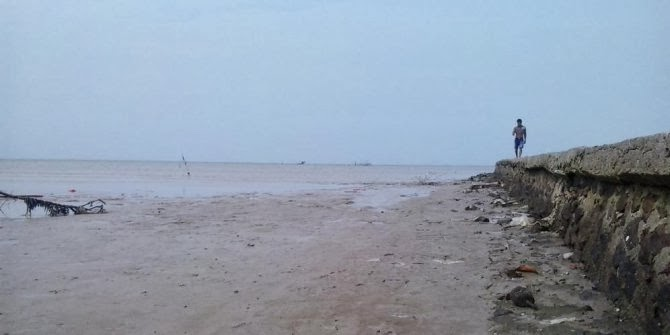 Fenomena Air Laut Surut Sejauh Lebih 1KM di Pantai Serang Banten