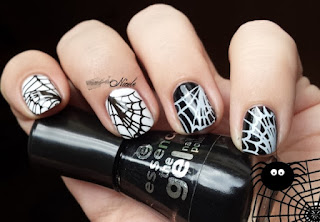 http://rainpow-nails.blogspot.de/2015/10/halloween-spider.html