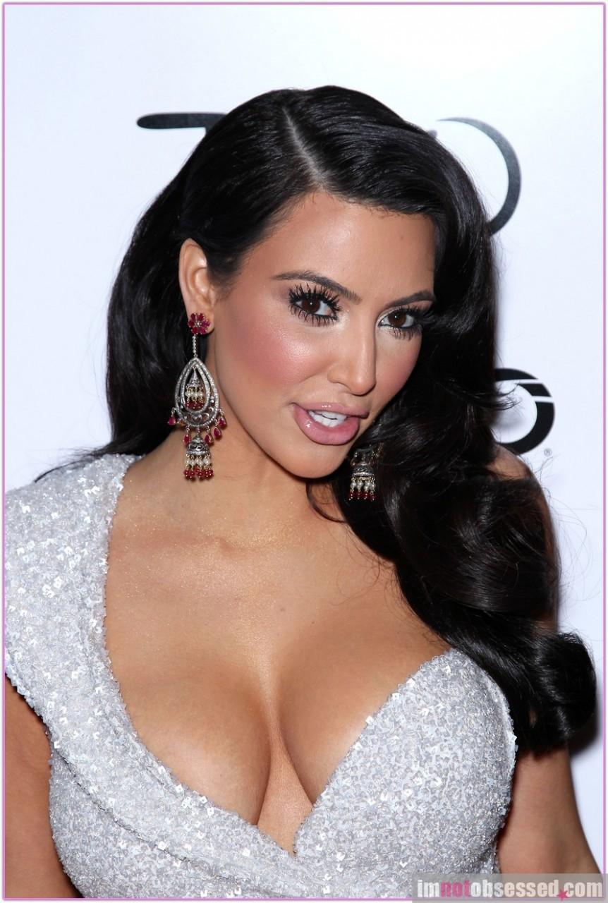 kim kardashian breast Photo