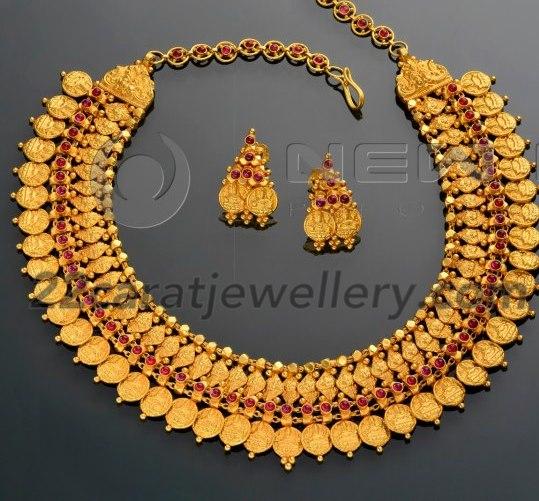 Broad Short Kasu Malai In 22k Gold Jewellery Designs