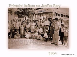 Jardim Pery, ano do centenário da cidade de São Paulo com seus 400 anos, e o Pery fazia 3 de fundação. Nesta semana o empresário Belarmino de Ascenção, português, inaugurou a Brasil Luxo, com o 1º ônibus no bairro, que partia de frente do armazém do seu Dias, e fazia ponto final em Santana, na Av. Voluntários da Pátria....atualmente, este local é onde esta a agência do correio e Farmácia São Carlos, no centro do bairro...