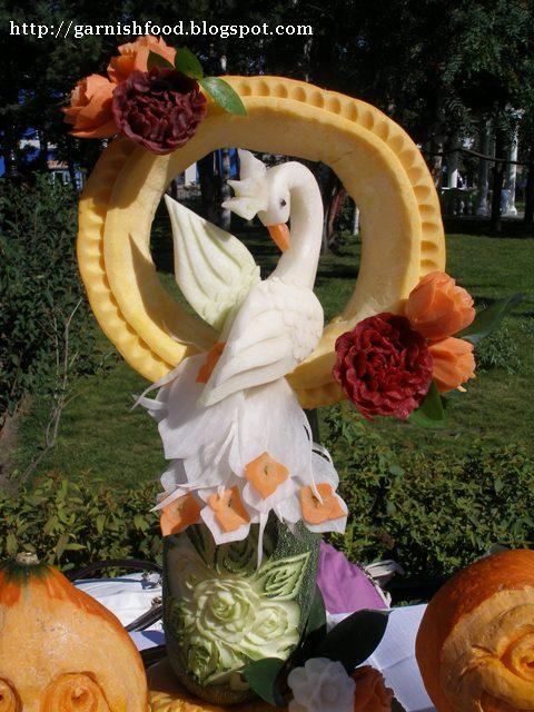 vegetable carving art bird