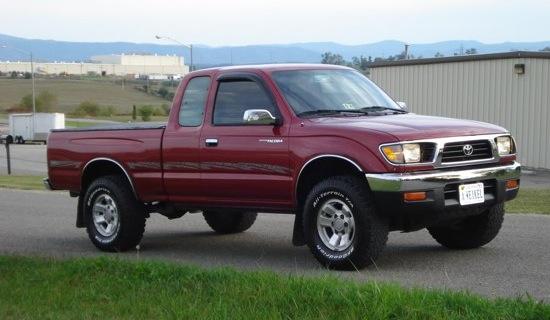 Old vs. New: 1995 Toyota Tacoma vs. 2016 Toyota Tacoma - The Fast ...
