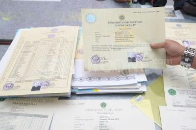 Untuk bisa menjadi guru harus mimilki sertifikat profesi buka lagi akta VI
