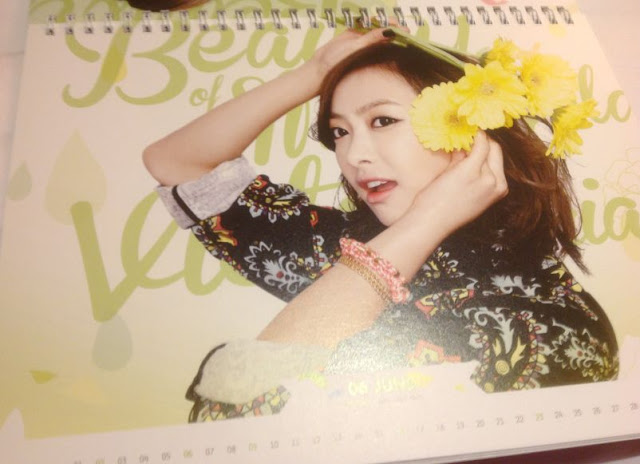 F(X) 2013 PHOTO CALENDAR OFFICIAL