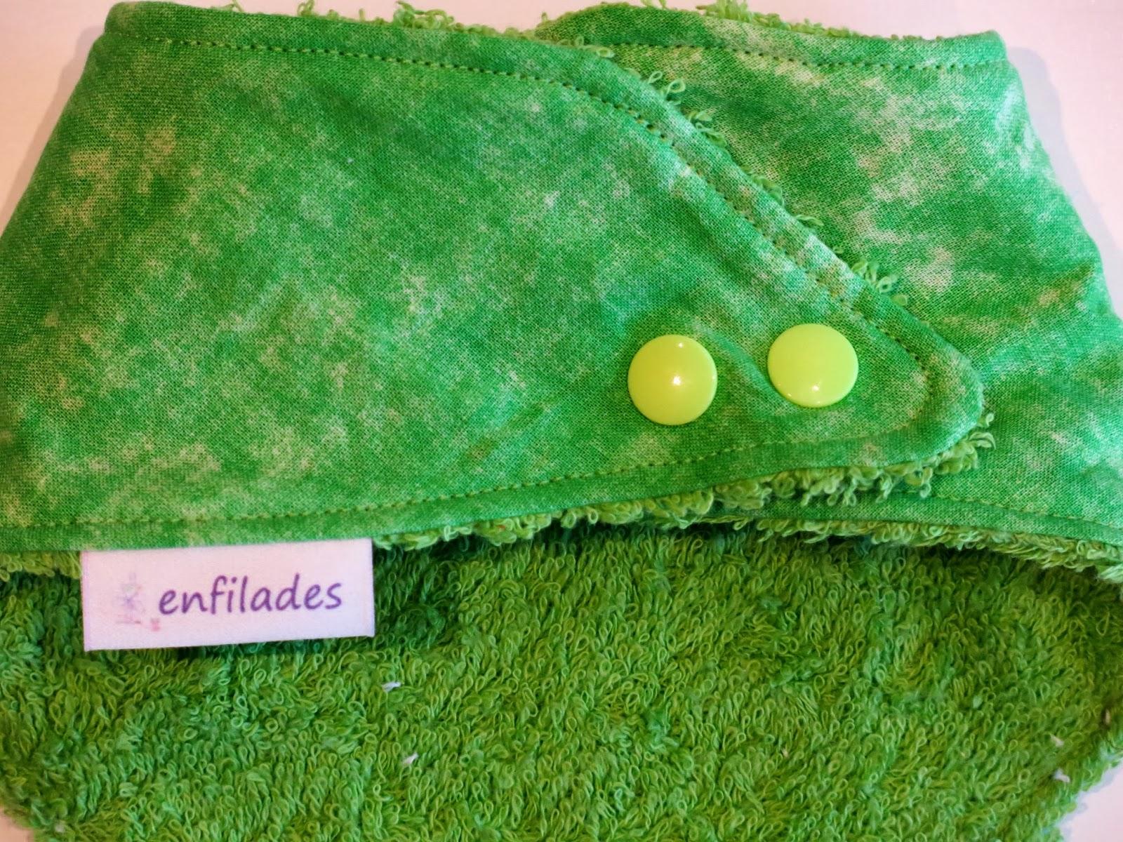 pitet bandana verd llima darrere - serie Escola enfilades.cat