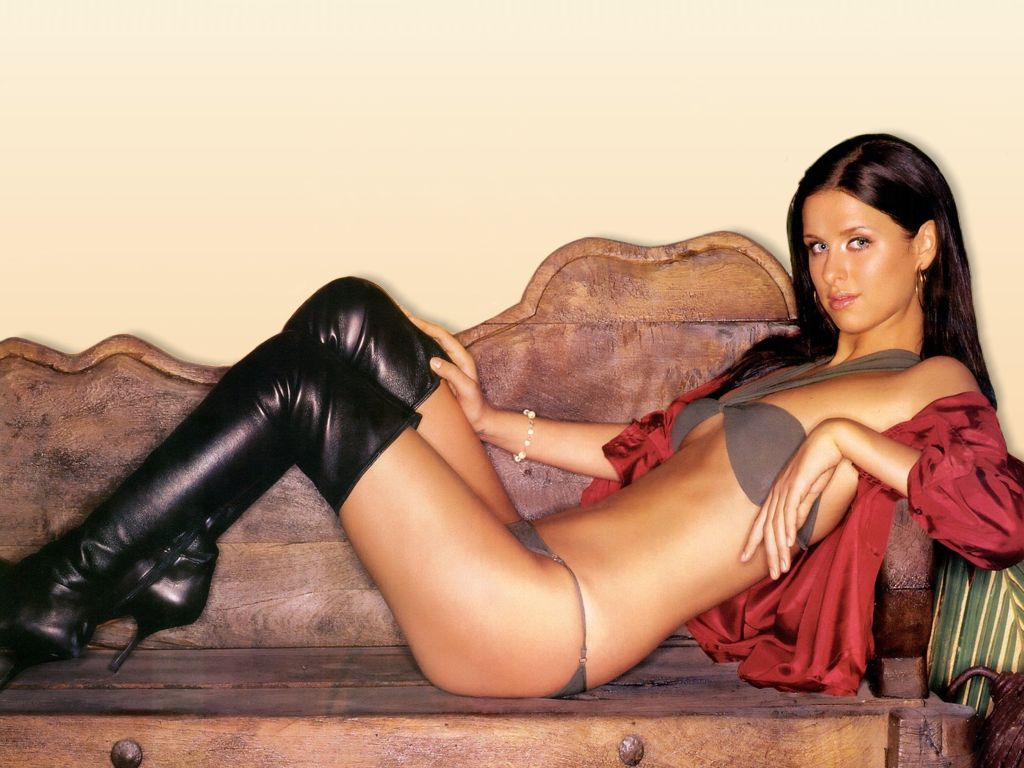 http://3.bp.blogspot.com/-20QAQUj7nyA/TafKOzJVwdI/AAAAAAAACxE/grTUTVdTEfc/s1600/Hot+Nicky+Hilton+Pictures.jpg