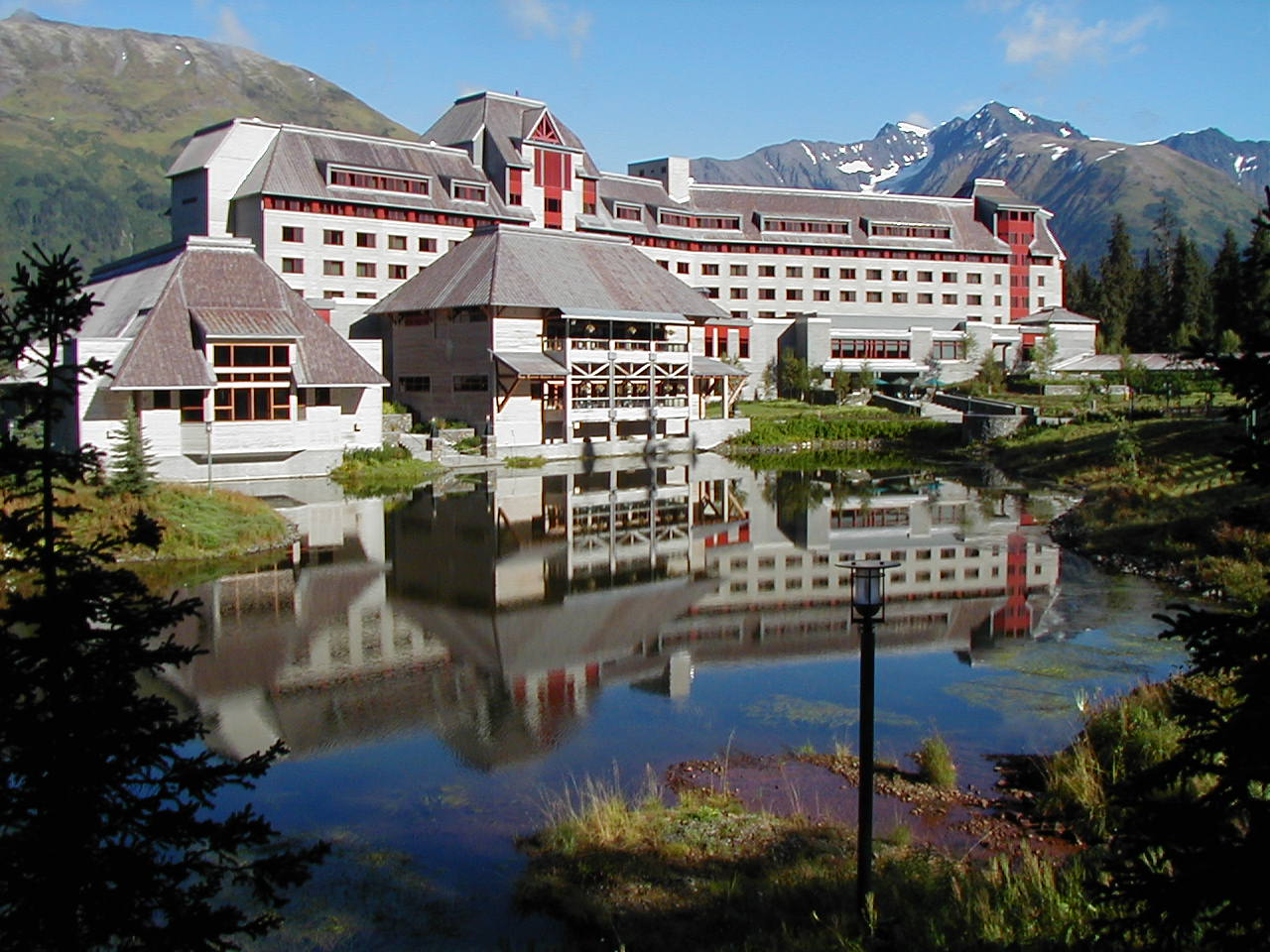 Redefining the face of beauty best beautiful hotels in for Hotels tours