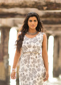 Aishwarya Rajesh glam photo shoot-thumbnail-4