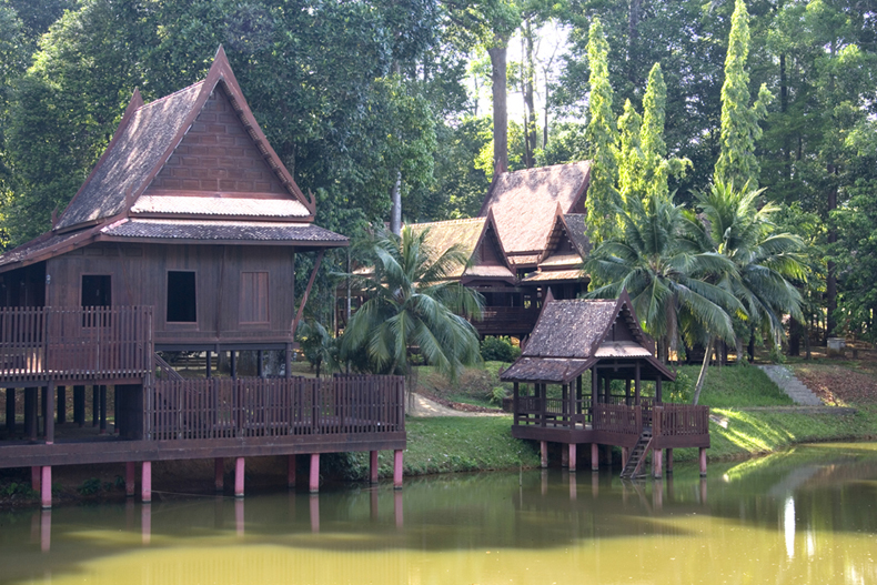 Home styles thai house style decor for Traditional styles of houses