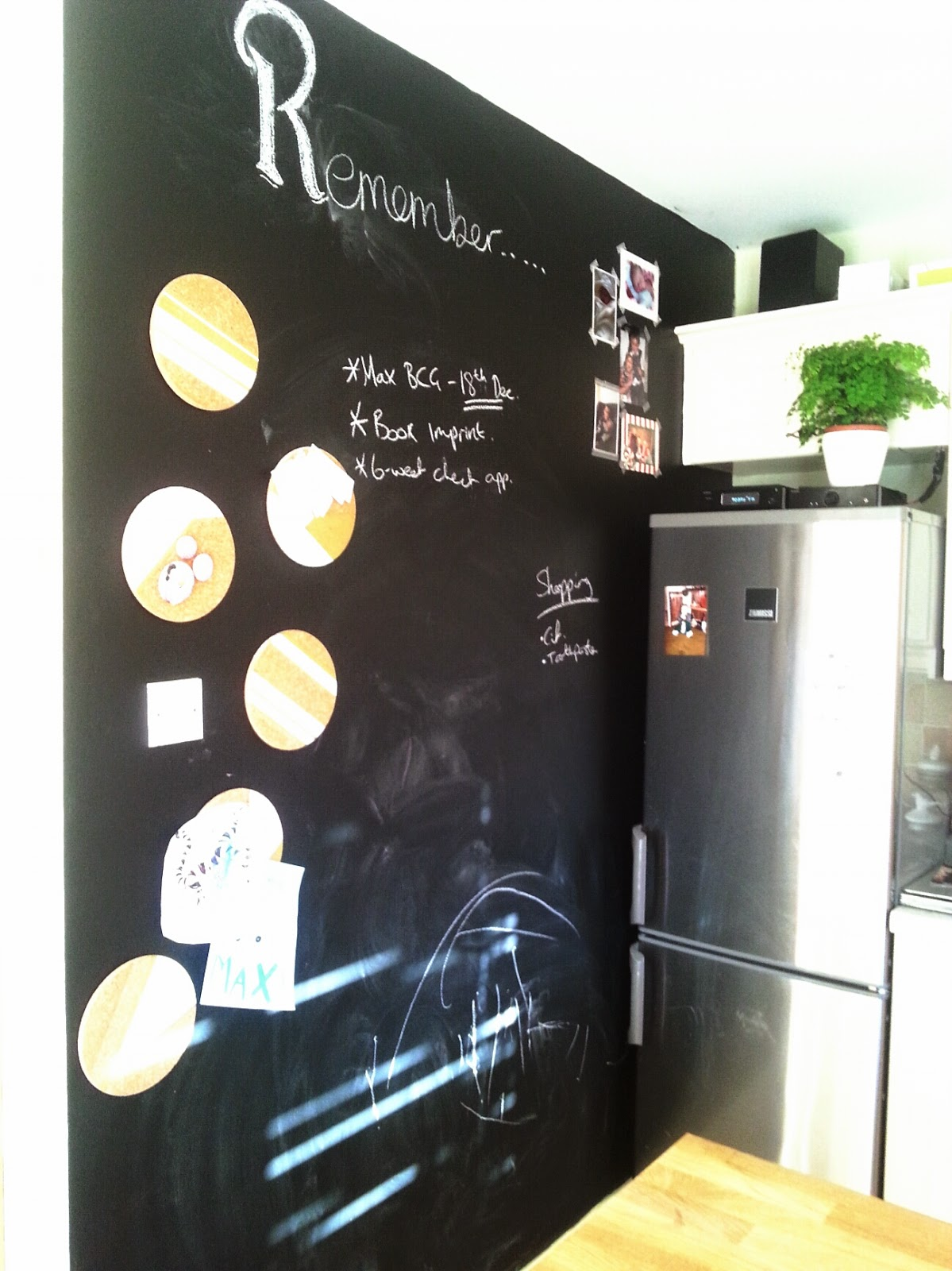 really useful chalkboard wall make do and diy. Black Bedroom Furniture Sets. Home Design Ideas