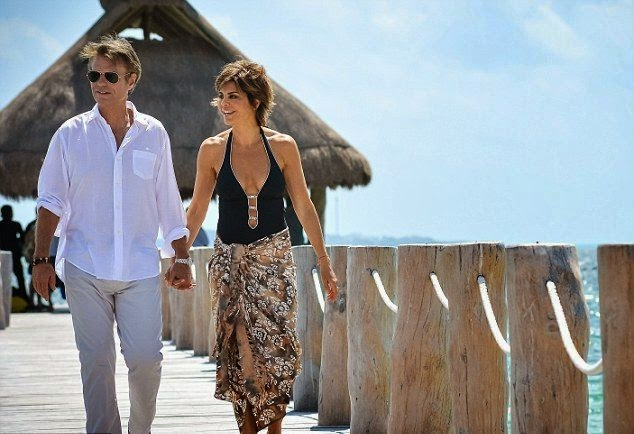 Lisa Rinna Rocks Bikini Body For‭ ‬17th Wedding Anniversary In Mexico