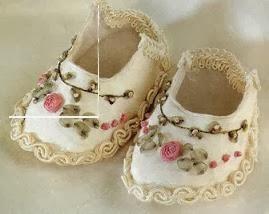 zapatitos de bebe bordados en cinta con flores