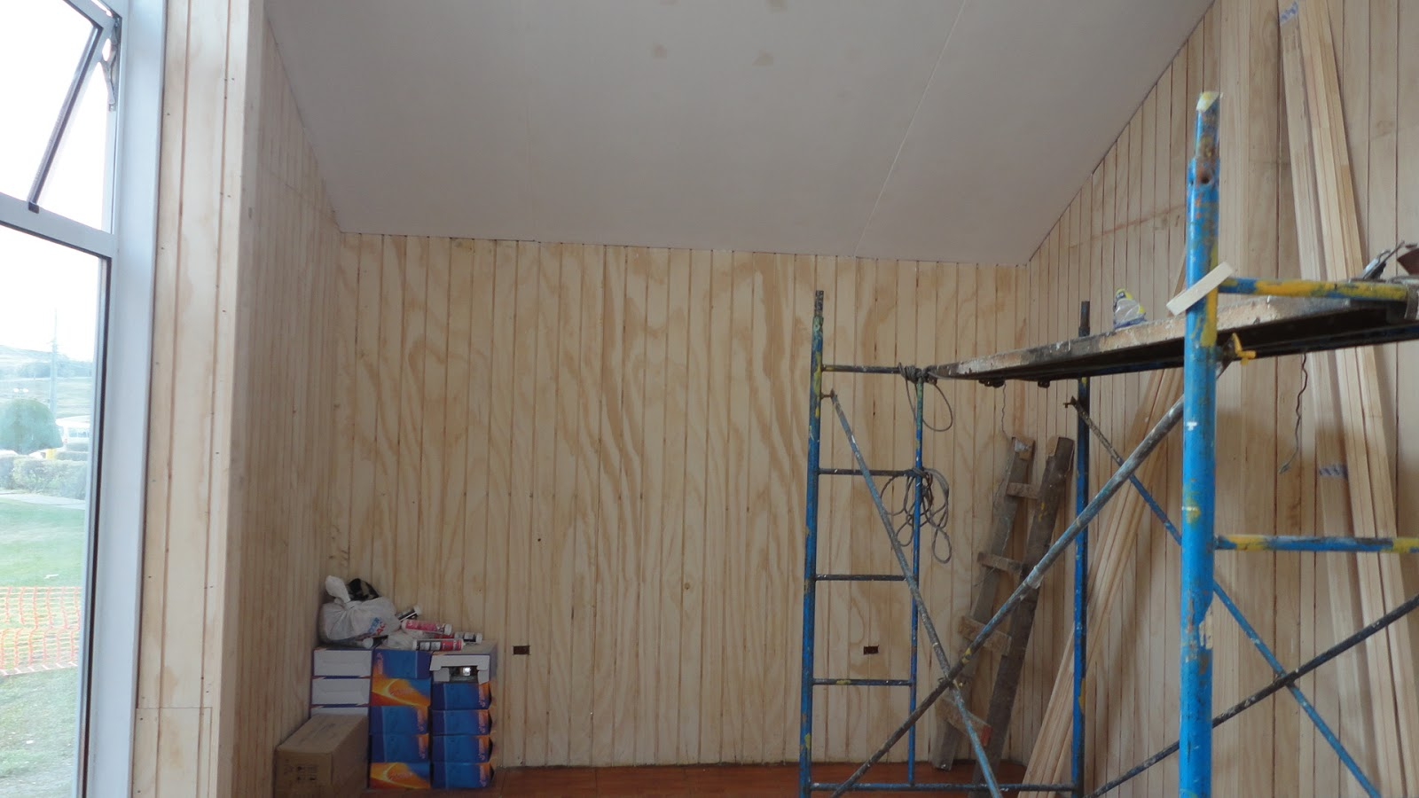 Secuencia constructiva quot paradero de buses quot for Revestimiento interior madera