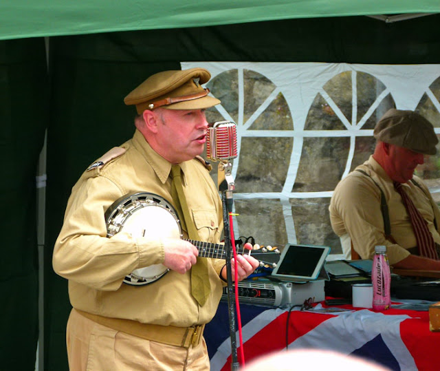 George Formby impersonator, Colin Bourdiec, Ingleton, 1940s weekend