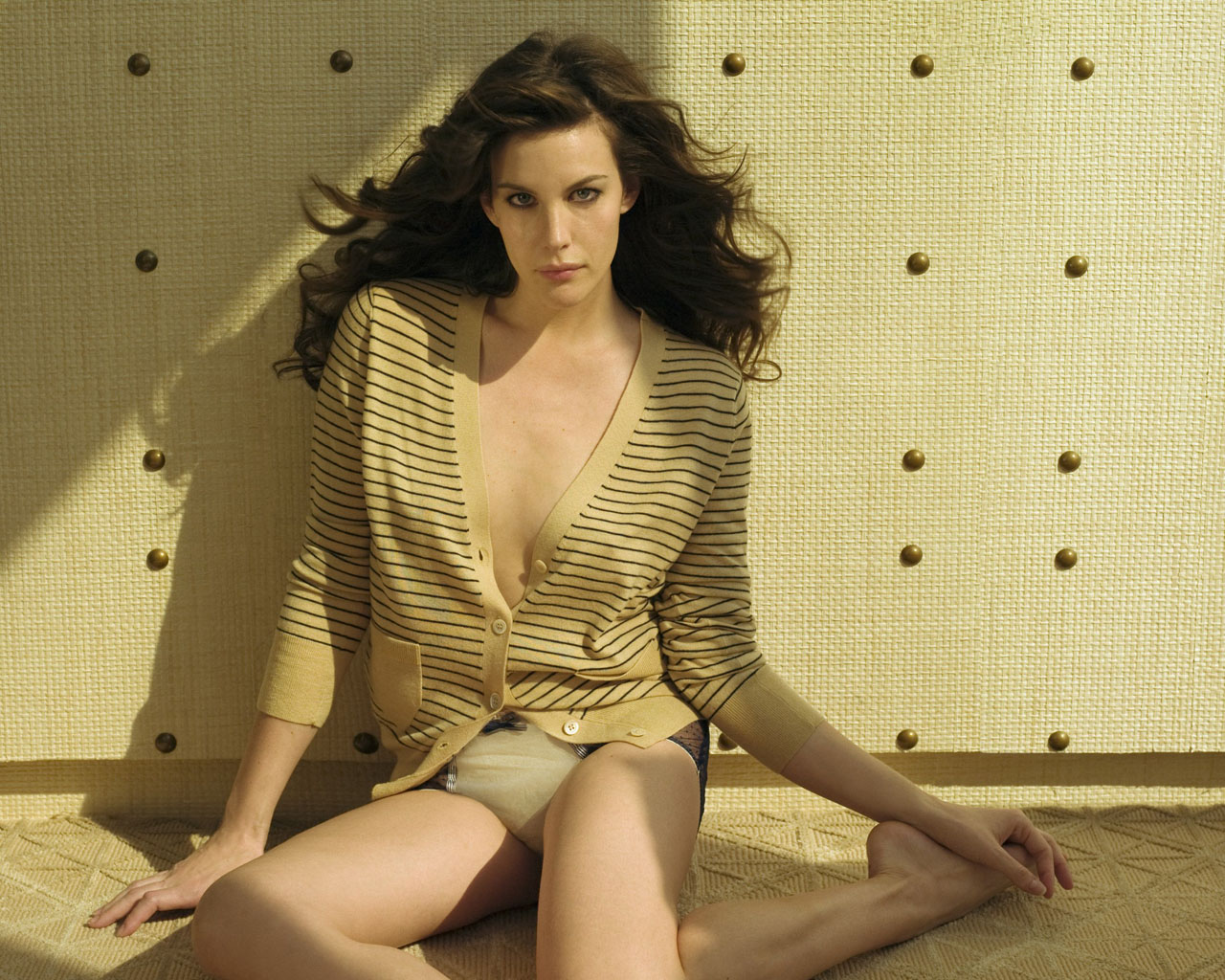 Liv Tyler Bikini http://telugu-wallpaper.blogspot.com/2011/07/liv-tyler-pictures-photos-images-hot.html