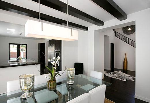 estas casas de inspiracin minimalista en negro y blanco diseadas por tom atwood en que se eligi el ngulo ideal para mostrar la belleza de cada rea