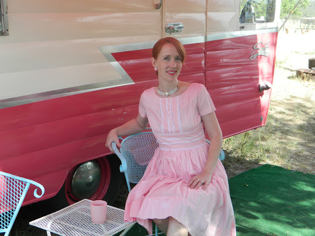 1950s pink daydress shasta vintage trailer  Just Peachy, Darling