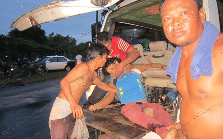 http://kimedia.blogspot.com/2014/10/five-killed-in-kampot-road-mishap.html
