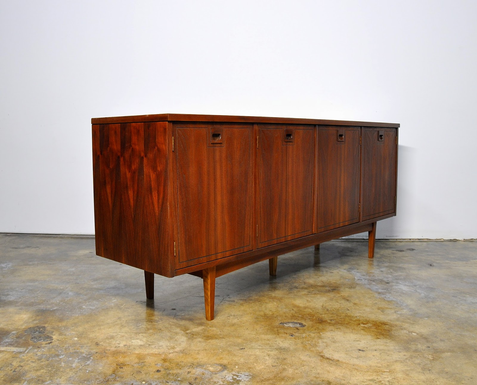 stanley furniture credenza bar room divider media console buffet or sideboard with hutch