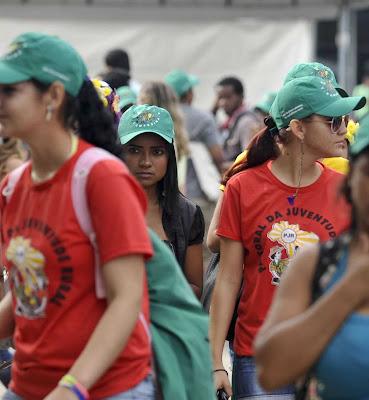 Rio+20: esquerda católica adota bandeira verde  mas conserva camiseta vermelha  Foto Marcello Casal Jr-ABR