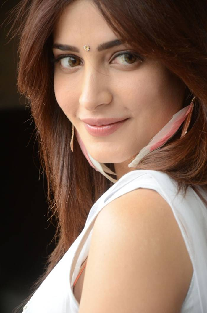 Shruti K Hassan in White Dress