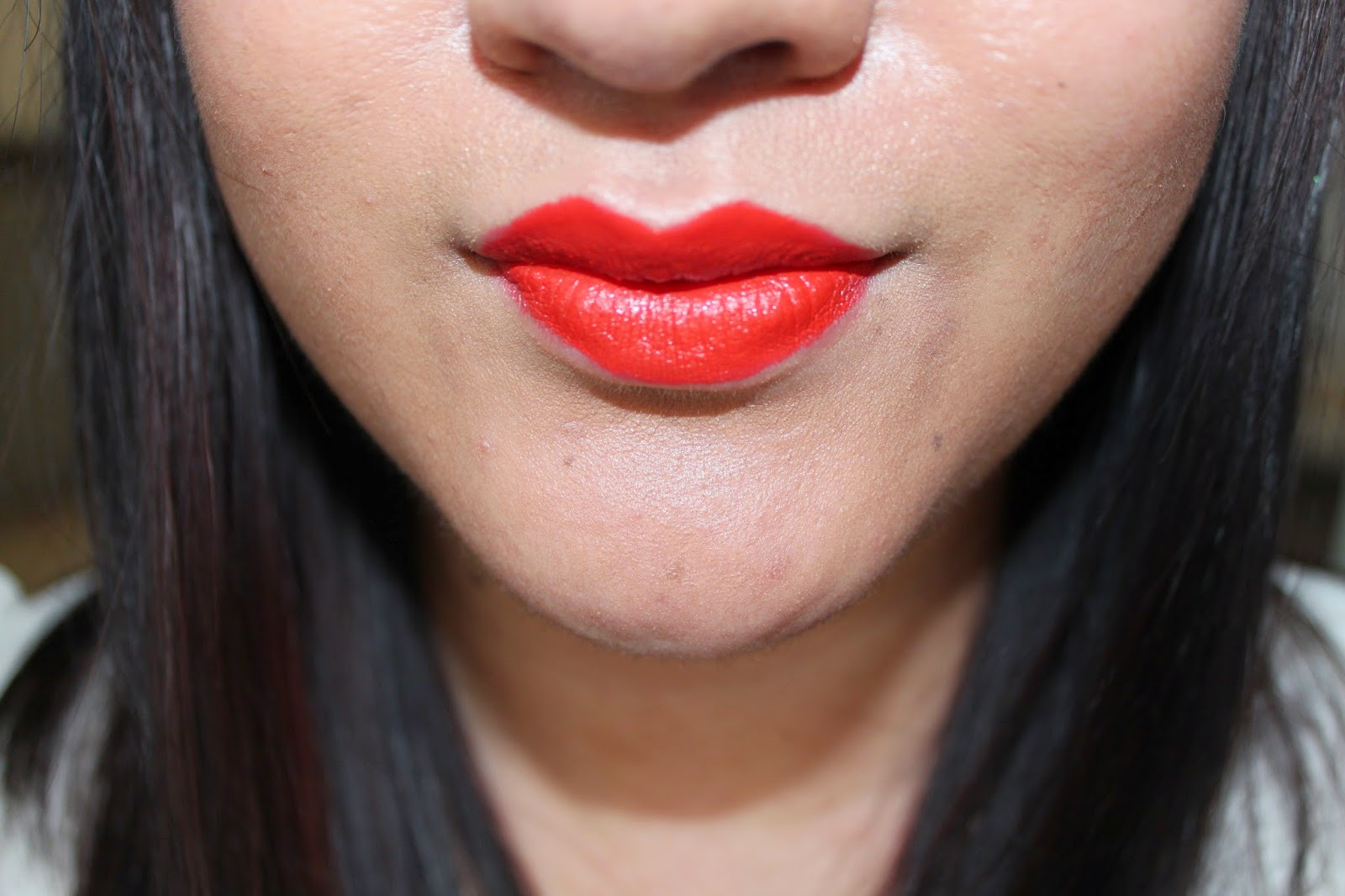 how to wear orange lips