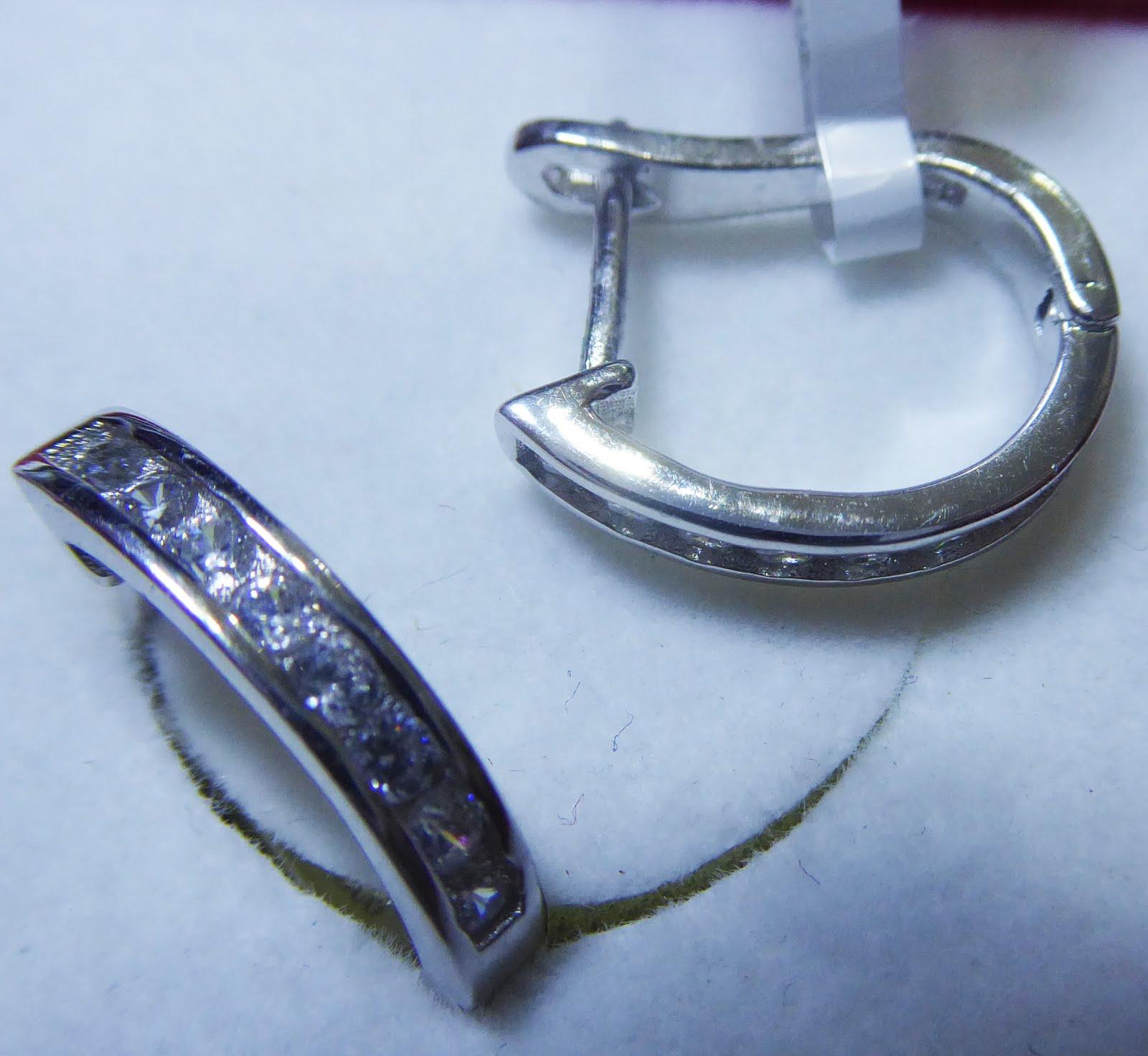 Pendientes d eplata rodinada, diseño italiano, con circonitas y cierre catalán o de clik