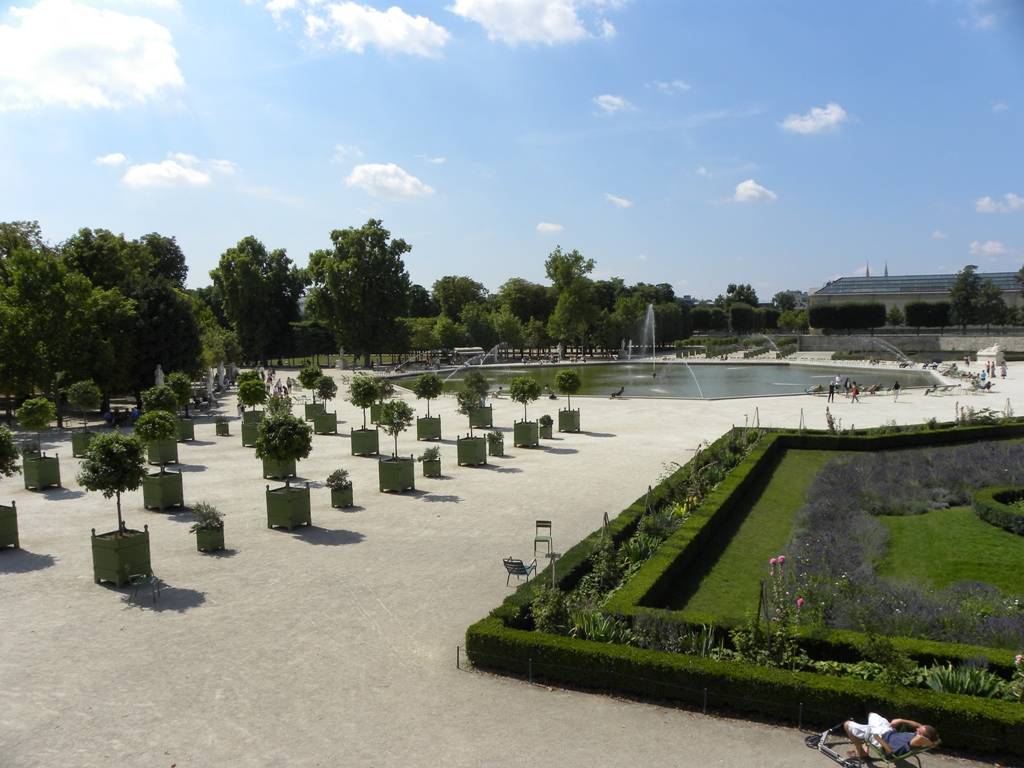 Travels ballroom dancing amusement parks the gardens for Jardin jardin tuileries