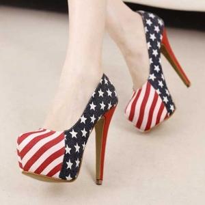 Bayrak tasarımı kullanılmış platform ayakkabı
