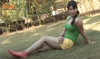 celebrate holi with hottest actress urvashi choudhary