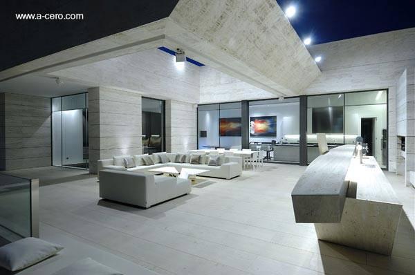 Arquitectura de casas una casa de m rmol blanco en espa a for Limpiar marmol blanco exterior