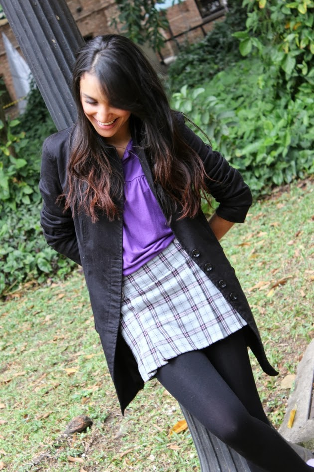 look inverno, camiseta roxa, saia xadrez, casaco siberian, sapatilha lilas, look do dia, look dia frio