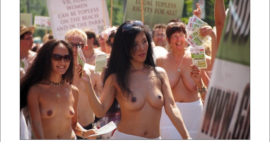 Cosby Show actress stages topless protest outside Bill ...
