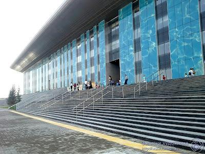 Фасад Дворца водных видов спорта