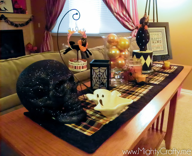 Halloween Decor - www.MightyCrafty.me