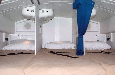 tempat+tidur+cabin+crew+dalam+pesawat billyinfo5 Tempat Tidur Pramugari Dalam Pesawat