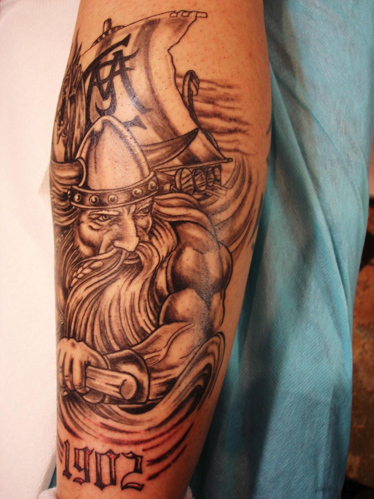 Toop tattoo viking tattoo tatuaje del real madrid for Real madrid tattoos