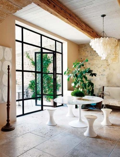 10 interiores con puertas de cristal y marco negro10 for Puertas interiores modernas