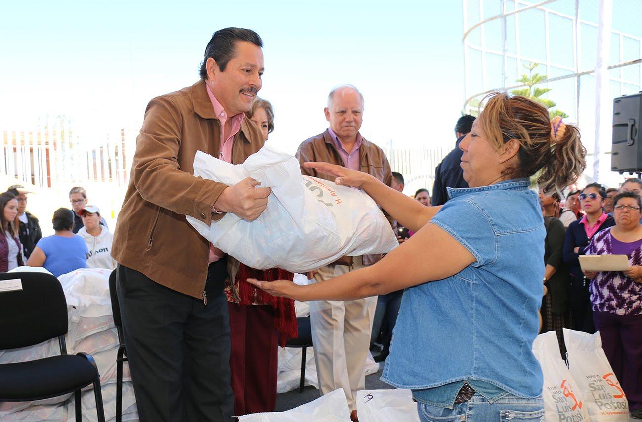RECONOCE GOBIERNO CAPITALINO ESFUERZO Y APORTACIONES DE LAS MAMÁS POTOSINAS