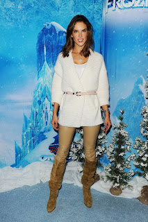 Alessandra Ambrosio – Disney On Ice