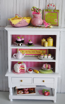 Mini Kitchen Hutch